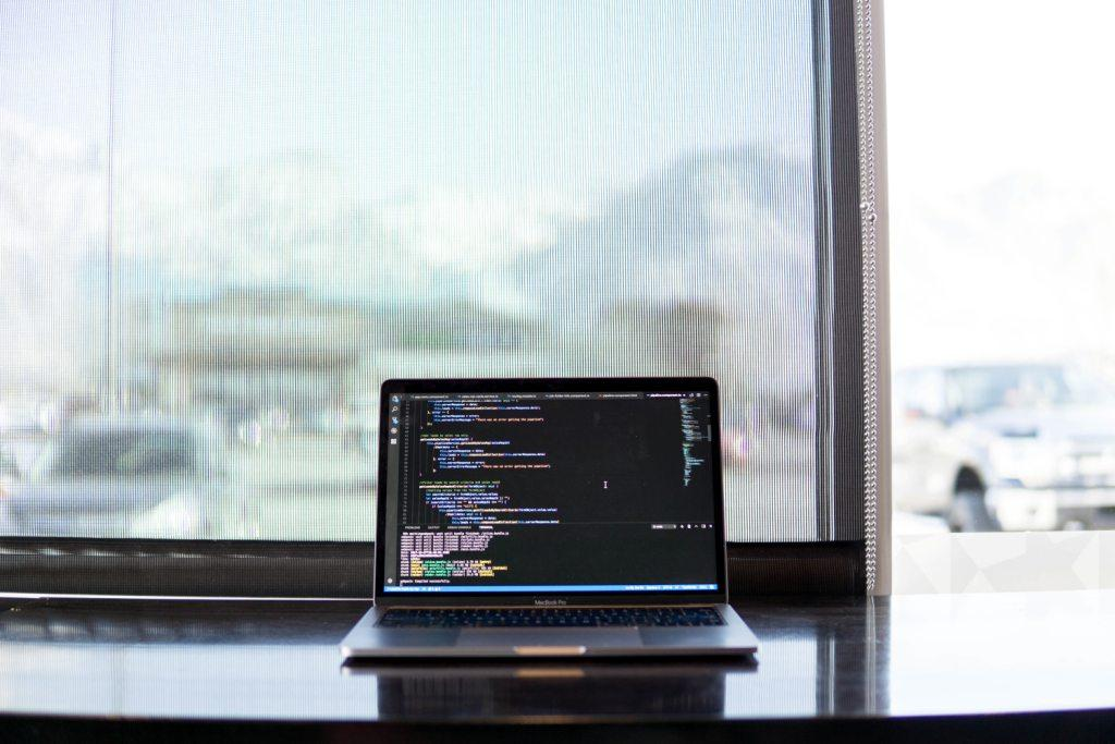 Pros and Cons of Using Python for Web Development